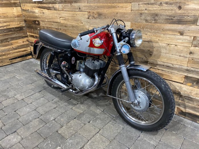 Royal Enfield Classic 250 TURBO TWIN Classic Petrol Red