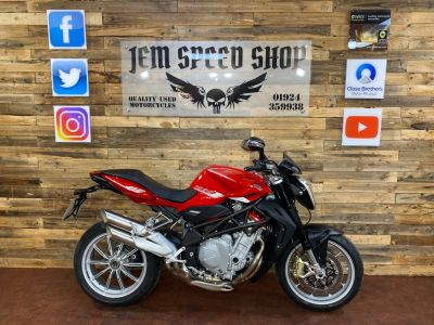MV Agusta BRUTALE BRUTALE 1090 R 2013 Naked Petrol RedMV Agusta BRUTALE BRUTALE 1090 R 2013 Naked Petrol Red at Bikes for Cash Batley