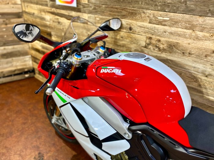 Ducati Panigale V4S PANIGALE V4 S Super Sports Petrol Red