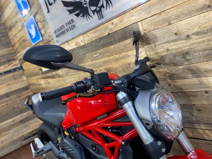 Ducati Monster 821 M821 Naked Petrol Red
