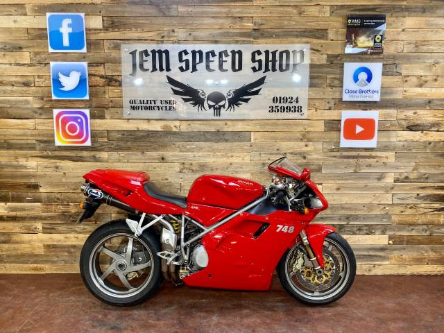Ducati 748 748 S Super Sports Petrol Red