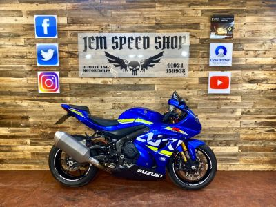 Suzuki GSXR1000R GSXR 1000 RAL7 Super Sports Petrol BlueSuzuki GSXR1000R GSXR 1000 RAL7 Super Sports Petrol Blue at Bikes for Cash Batley